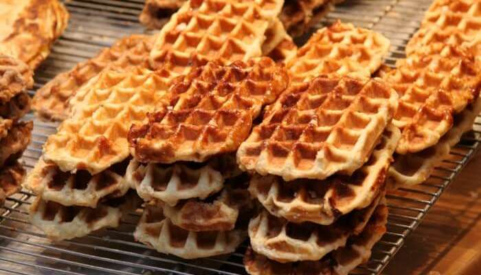 10 Best Norwegian Street Food Delicacies That You Ought To Try!
