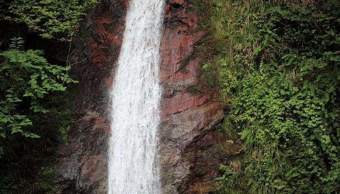 Rajanawa-Falls