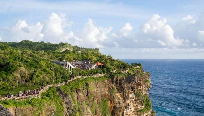 Visit the close to By Uluwatu temple