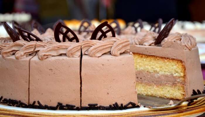 Bled Eat Cream Cake