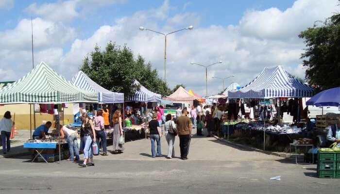 Plac Targowy Блошиный рынок