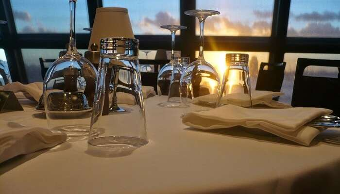 Romantic Chicago lunch or dinner cruise