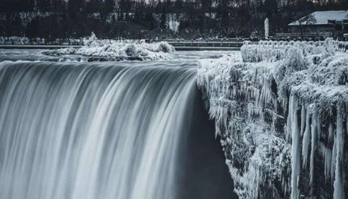 Insta pic of frozen Niagara