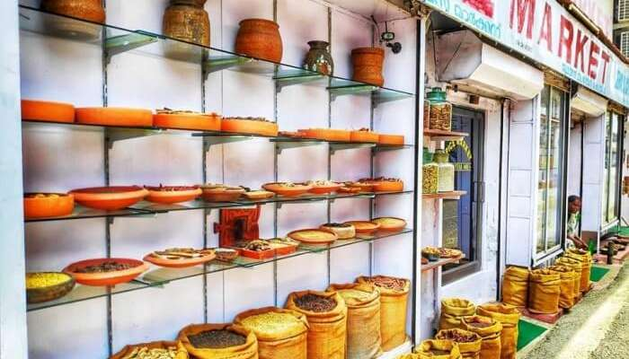 Shopping In Kochi: 10 Best Places To Shop In Kochi