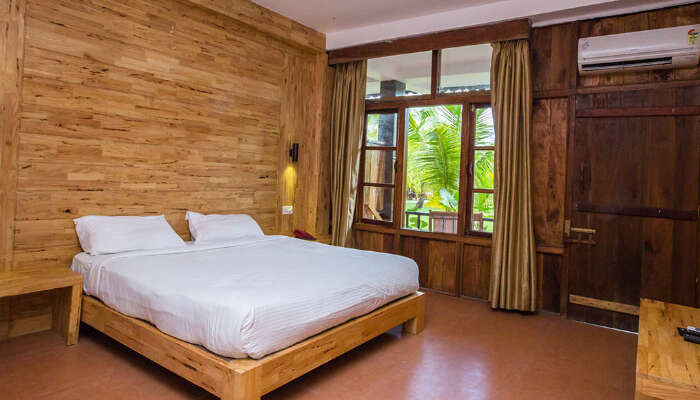 Symphony Palms Resort in Havelock
