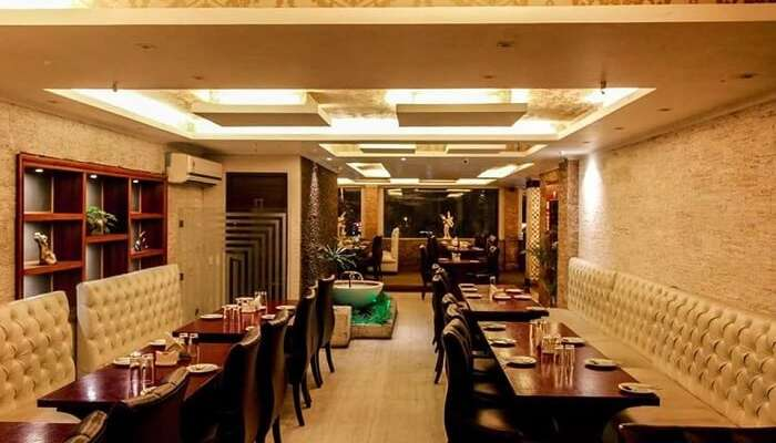 25 Best Romantic Restaurants In Kolkata For A Fun 2019 Date