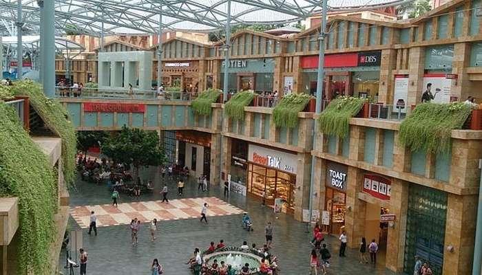Festive Walk at Resorts World Sentosa