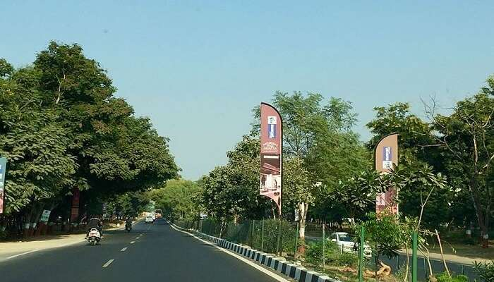road in gandhinagar holidays Places gujarat india