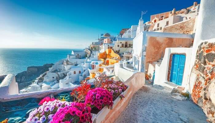 Greece In April 2019: A Travel Guide For All Avid Travelers!