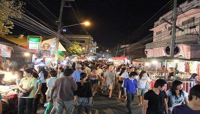 Wualai_Walking_Street