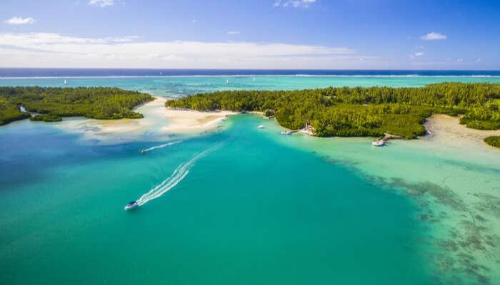 islands near Mahebourg in mauritius