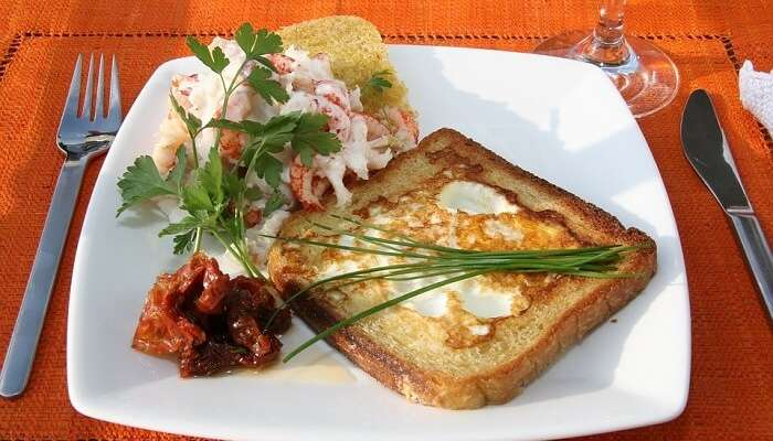 Crayfish Toast Fried Egg Chives Eggs Toasted
