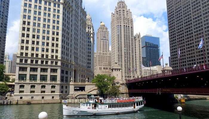 Lake Cruises in Chicago