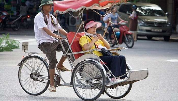 local traveling in a cyclo