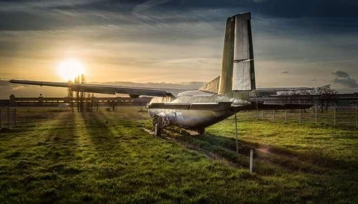 Stop Sunset Aircraft Tempelhof Airport Lost Plane