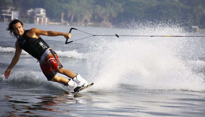 Ski-Boarding