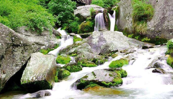 Jogini Falls In Manali