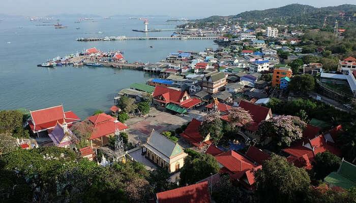 Koh Si Chang Town