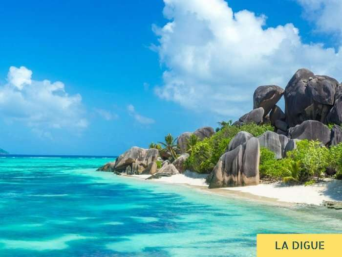 A view of the sea and the beach on the granitic island of La Digue