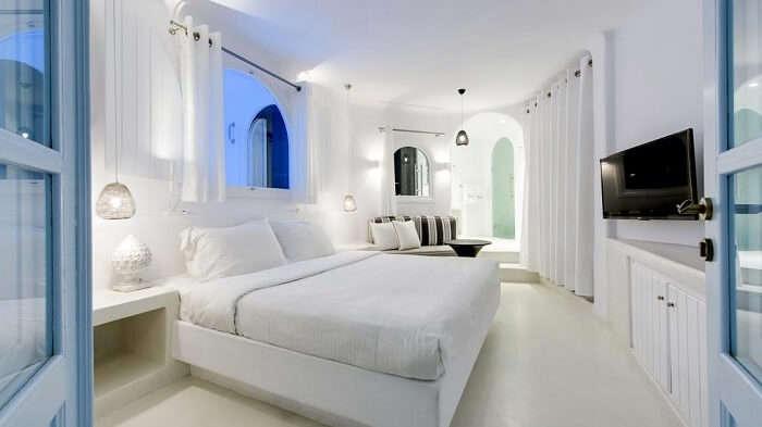 The Honeymoon Pool Suite at Dana Villas