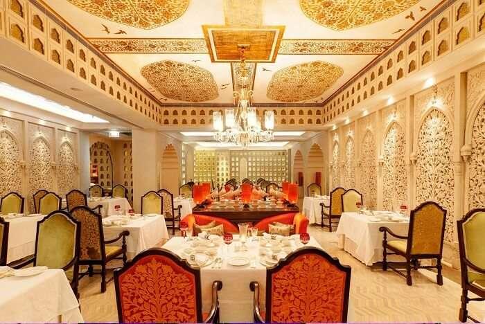 luxurious ambiance and decor of dum pukht