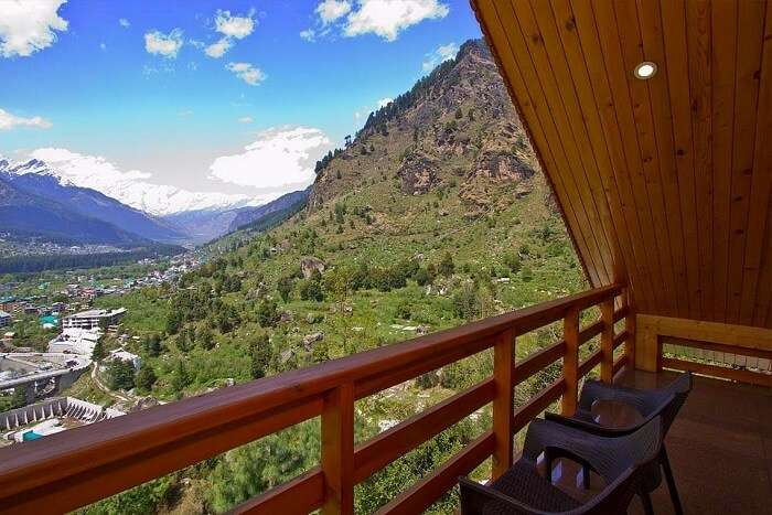 Foghills Manali Cottages verandah