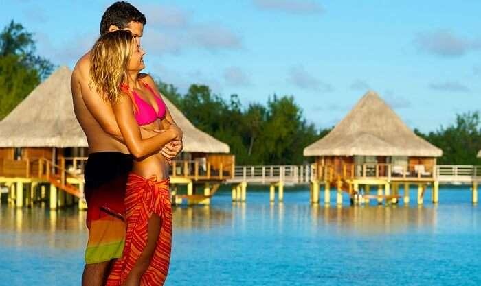 Couple on an extraordinary honeymoon in Seychelles