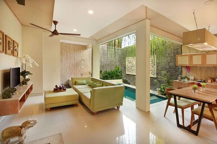 lounge area in ini vie villa