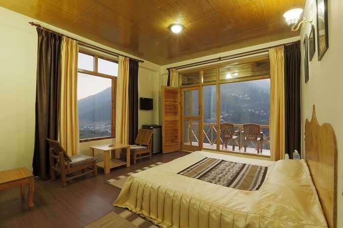 Naina Resort & Cottages bedroom