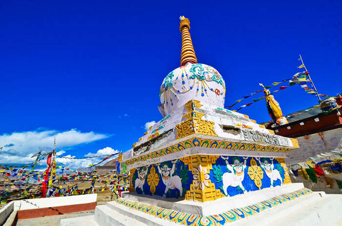 travel cheap at mcleodganj and visit the beautiful monasteries