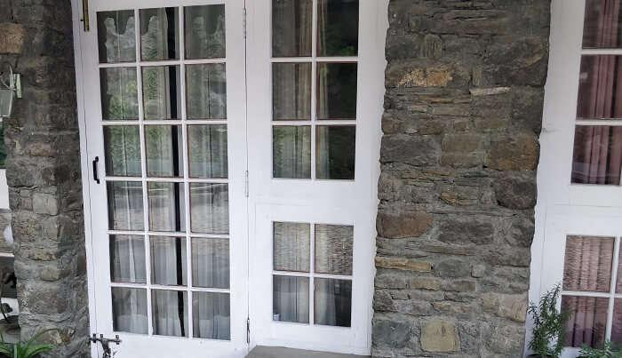 vintage style door and window of ashdale resort