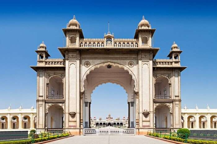 The entrance to the Amba Vilas in Mysore