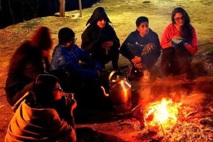 tirthan bonfire