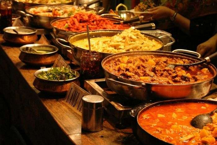 Local delicacies and spicy curries at Curry Leaf, Colombo