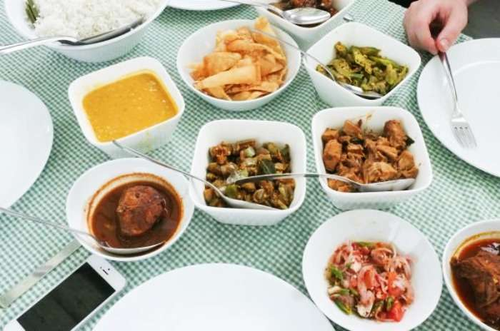 Sri Lankan curries at Mamas Galle Fort, Galle