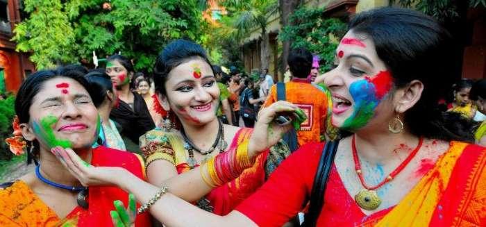 Traditional Holi at Shantiniketan