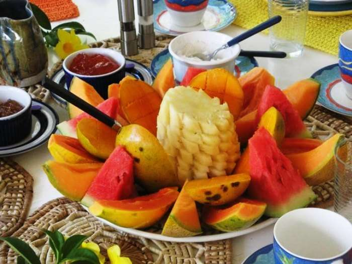 Fruits and fruit juices make for a healthy and tasty start to your day