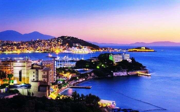 Spend a romantic evening on the Kusadasi harbour in Turkey
