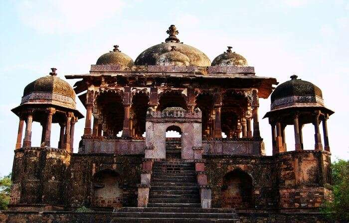 This historical monument in Rajasthan lies amidst a wildlife sanctuary