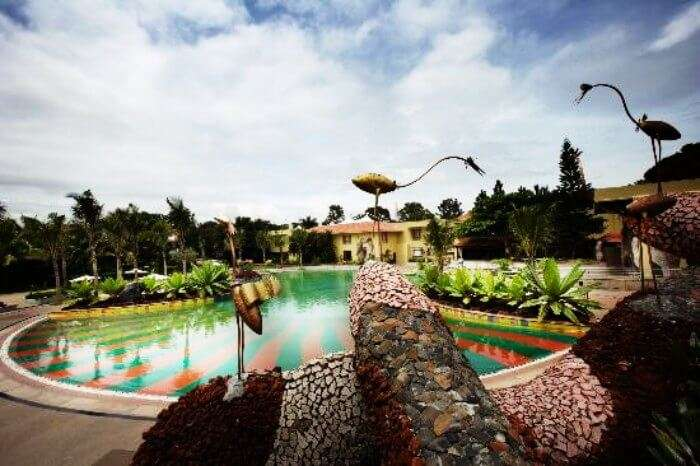 Silent Shores Resort & Spa is amongst the most romantic resorts around Bangalore