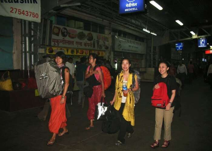 Tourists out in the night in Ahmedabad