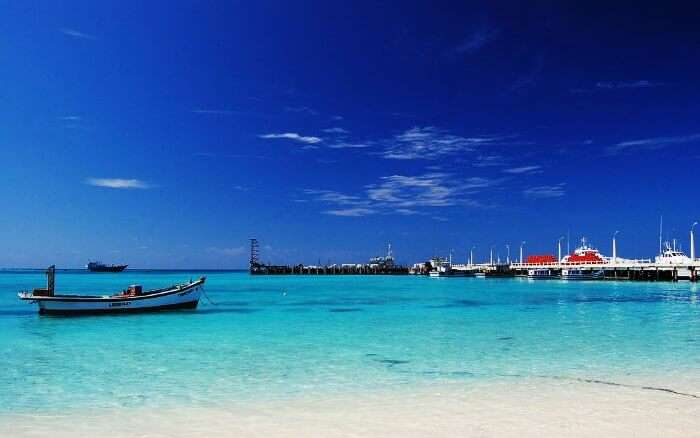 The turquoise blue waters of Kavaratti Island in Lakshadweep