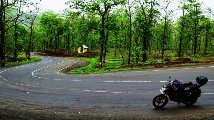 Ride on the winding roads of Saputara from Mumbai