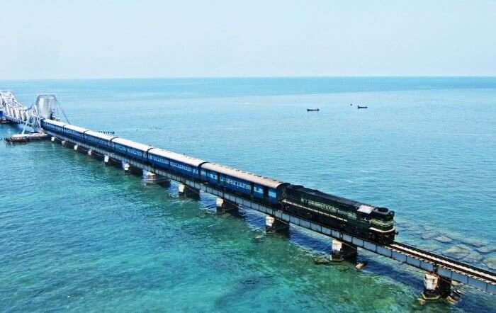 Train from Tamil Nadu to Rameshwaram on the Pamban bridge