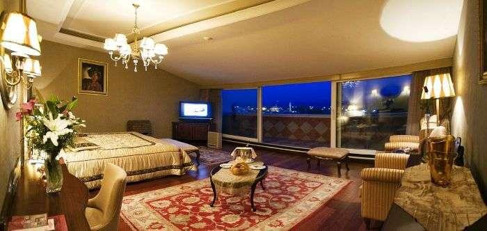 Grand Yavuz Hotel – A good resort in Turkey with a rooftop restaurant