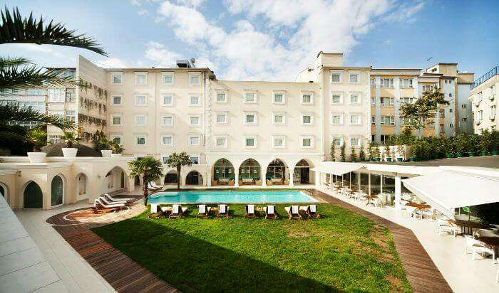 Holiday Inn Istanbul City – One of the best resorts in Turkey