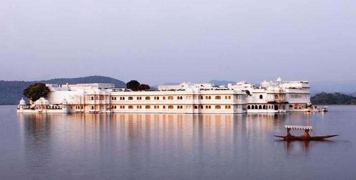 Pristine lake and the Jag Mandir Palace