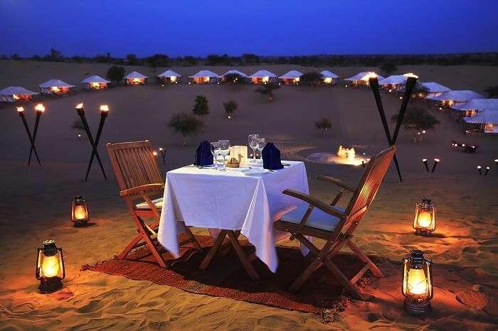Enjoy dinner at the tents in Thar in Jaisalmer