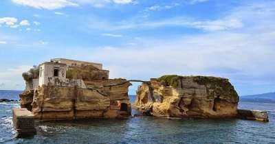 Isola La Gaiola in Italy