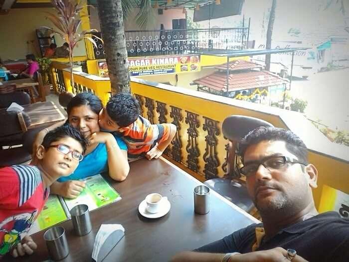 Breakfast at Sagar Kinara restaurant